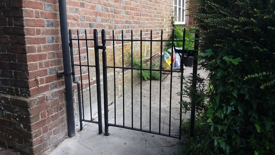 side-gate-east-sussex-wadhurst-01