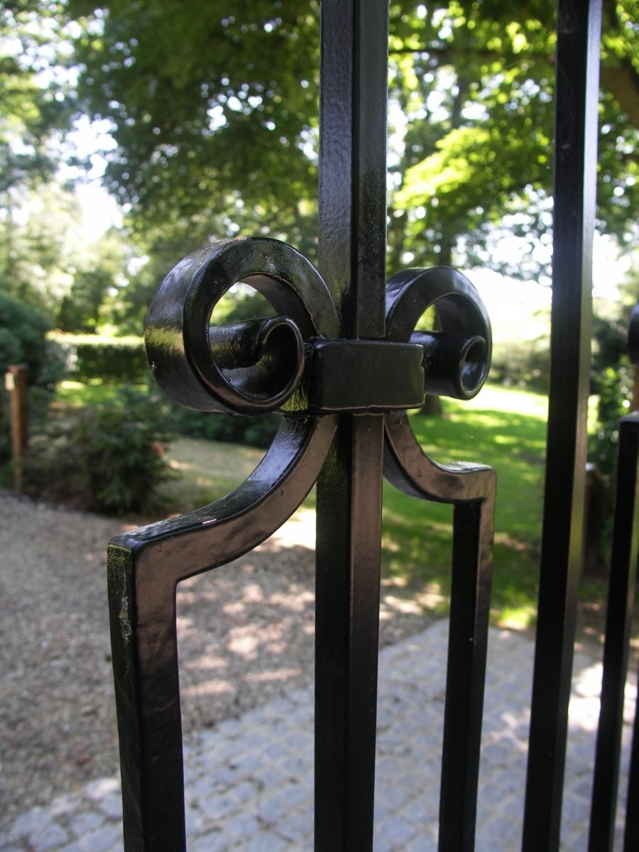 Hillbury Gates