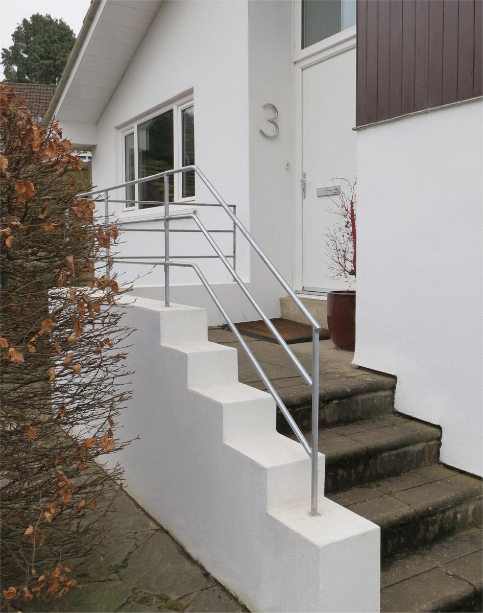 minimalist-hand-rail-980-01